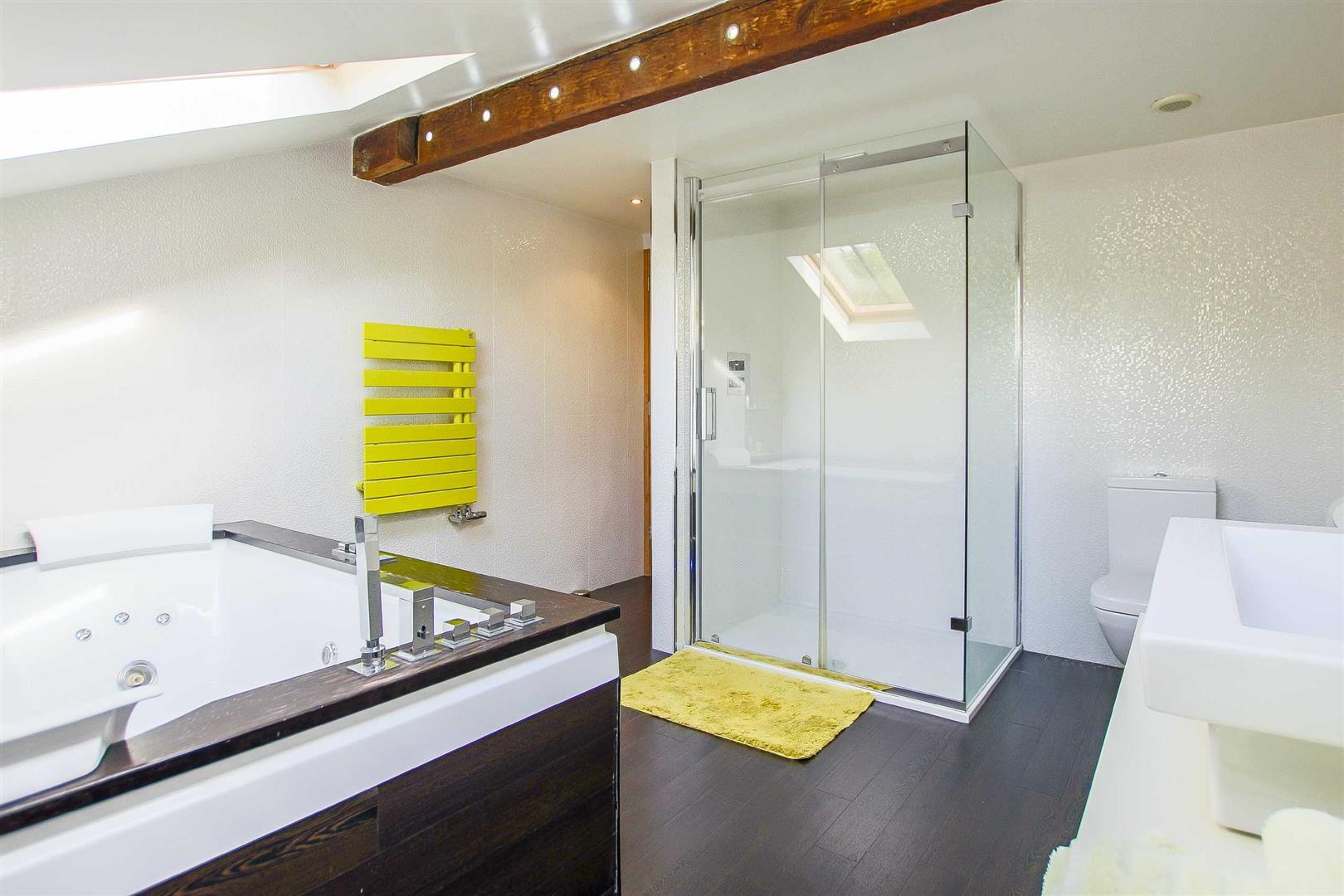 5 Bedroom Cottage For Sale - Image 49